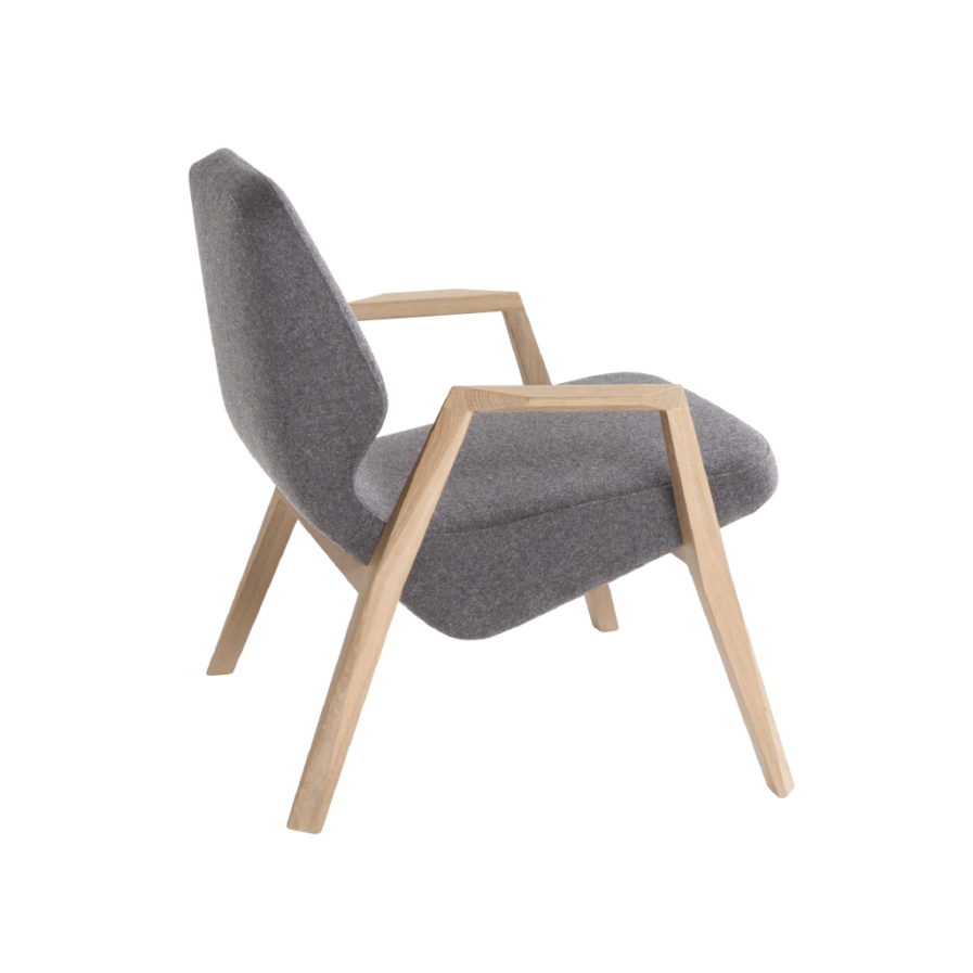 OBLIQUE LOUNGE CHAIR WITH ARMS